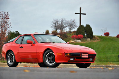 1985 Porsche 944 944 Soort Coupe 1985 PORSCHE 944 19,000 MILES --WHEN ONLY THE BEST WILL DO -- MUST SEE WOW