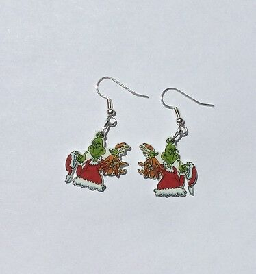 Grinch Earrings Max Charms