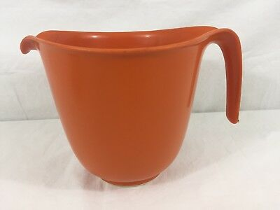 VTG Rubbermaid Orange 6 Cup Mixing Batter Bowl With White Rubber Ring