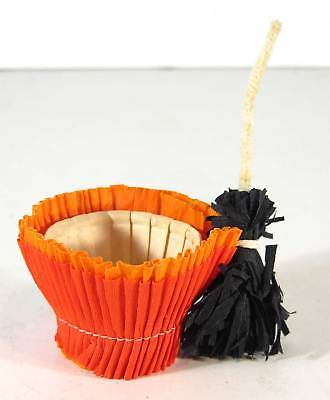 1940s HALLOWEEN WITCHS BROOM CREPE PAPER CANDY CONTAINER WITH ORIGINAL INSERT