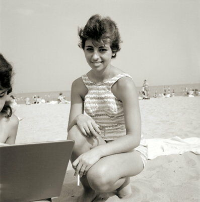Vintage PRETTY BRUNETTE Negative 1950s BEACH POSE
