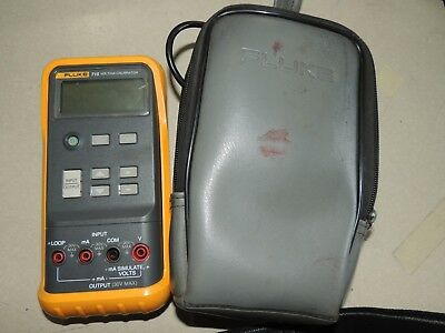 Fluke 715 volts/mA Calibrator Meter with Case & Leads