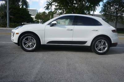 2016 Macan S AWD 4dr SUV 2016 Porsche Macan S Panoramic!