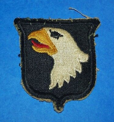 SALTY ORIGINAL WW2 101st AIRBORNE DIVISION TYPE 1 PATCH OFF UNIFORM (NO TAB)