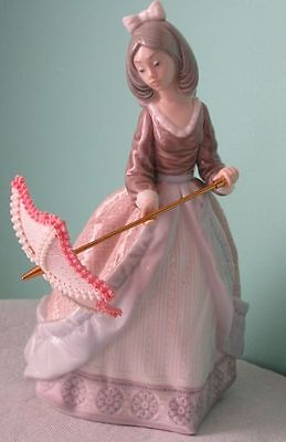 """Lladro LADY WITH PARASOL #5210 Vintage Retired Porcelain 7.75"""" Figurine"""
