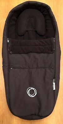 Bugaboo Bee Cocoon In Black with detachable Newborn Head Pillow Insert