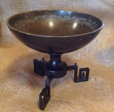 Bronze chinese bowl on stand
