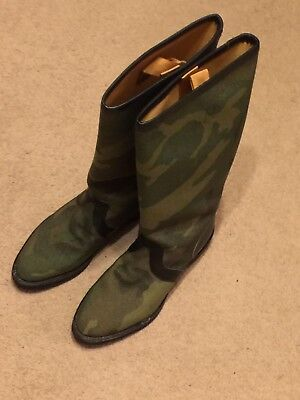 Men's Vibram Pathfinder Woodland Camouflage Boots with leather interior !