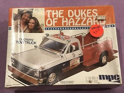 The Dukes of Hazzard 1/25 scale model kit Cooter's Tow Truck