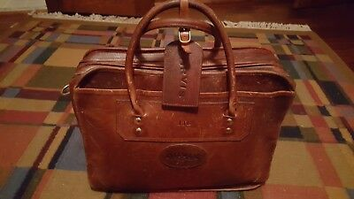 Pre-Owned Orvis Extra Capacity Leather and Brass Messenger Bag / Briefcase