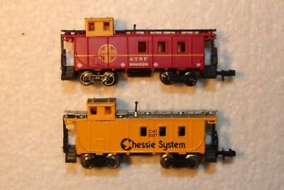 Two Cabooses,  Standard Couplers, See Pics Of  Both Sides