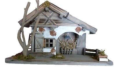Krippe Haus mit LED Beleuchtung 39,5 x 23,5 x 19cm Holz Stall