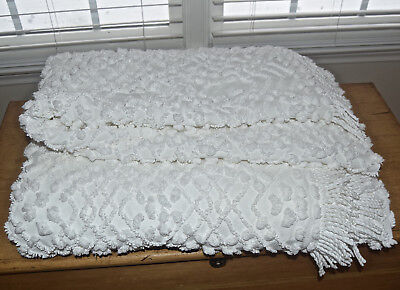 Vintage Cabin Crafts Needletuft White Chenille Full Bedspread Repair Cutter