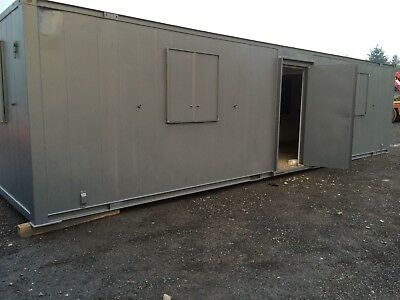 shipping container 32x10ft steel anti vandal unit nice dry unit