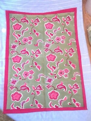 """Couleur Nature by Bruno Lamy Red & Green Cotton Towel   29 1/2"""" x 21 1/2""""  New"""