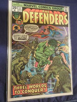 Marvel The Defenders Comic #27 Hulk and Valkyrie Near Mint