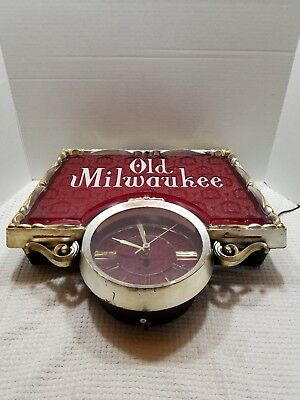 Old Milwaukee Beer  Advertising Clock Sign Man Cave Vintage Collectible