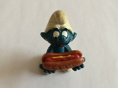 VINTAGE SMURF WITH HOT DOG shipping is for up to 10 smurfs