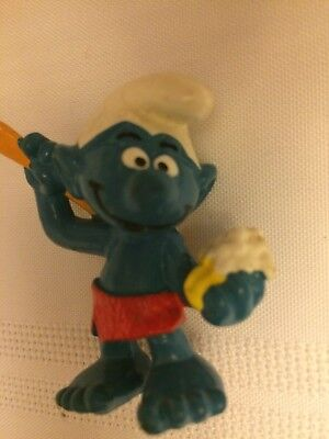 VINTAGE SMURF TAKING A SHOWER shipping is for up to 10 smurfs