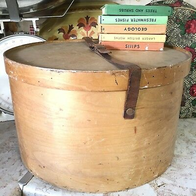 Vintage Antique Wooden Birch Hat Box Luterma Reval Venesta