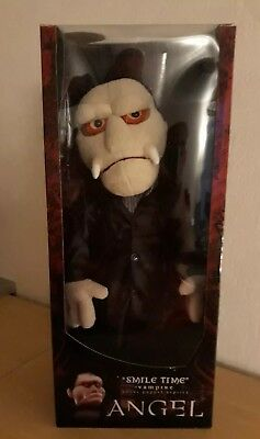 Smile Time Vampire Angel Puppet - Buffy Replica