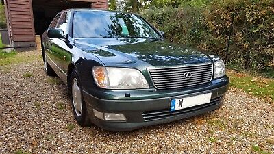 Lexus LS400 dark green with black leather. MOT to 10/2019 and excellent history