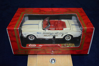 1964 Mustang Indy Pace Car Diecast Model - 1/18 - Mira