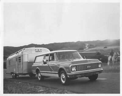 1972 Chevrolet Suburban Truck Press Photo and Release 0023