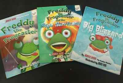 FREDDY THE FROGCASTER 3 book Lot