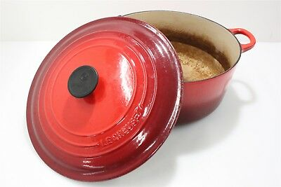 Le Creuset 28 Enameled Cast Iron Dutch Oven with Lid - Cherry Red