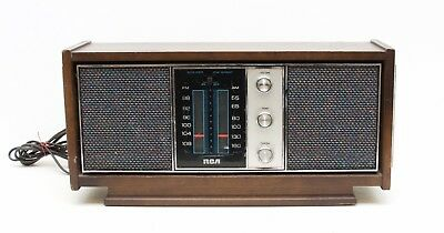 Vintage RCA Solid State Dual Speaker Radio Model RZC 920W-K Walnut
