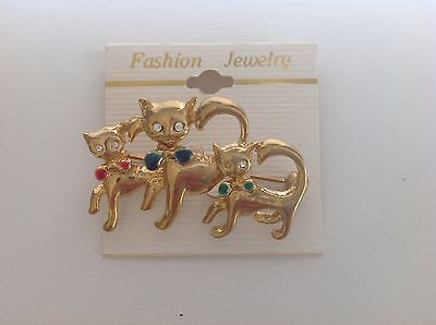 PIN - 3 Kitty cats with bows  - fashion jewelry