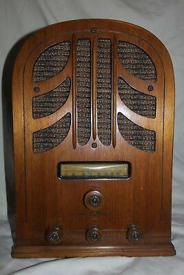 Nice! Vintage G.E. Radio E-61 Cathedral Tombstone Wood Original Working