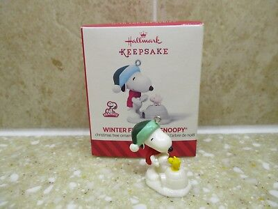 2014 Hallmark Peanuts Mini Christmas Ornament ~ Winter Fun With Snoopy ~ #17