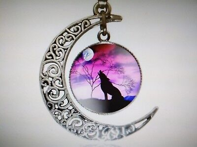 Vintage Style Silver Crescent Moon Howling Wolf Pendant Necklace