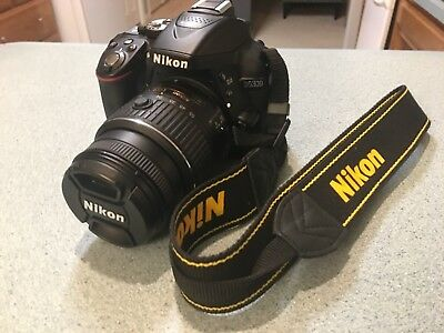 Black Nikon D5300 camera for sale