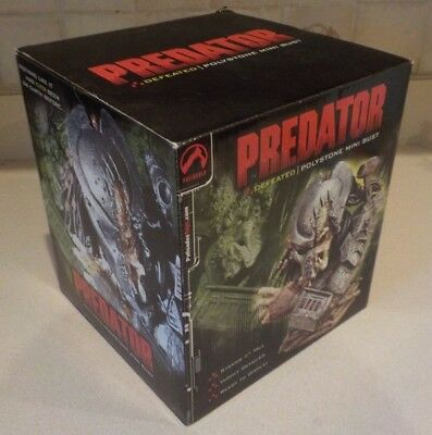 Predator  Defeated Mini Bust Palisades Toy #109/4000 New