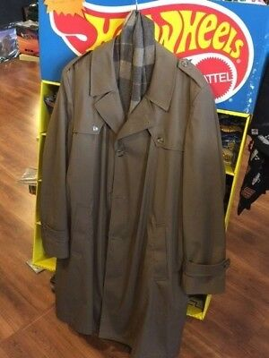 Men's Botany 500 Beige Trench Coat Raincoat 44L Belted, Zip Out Lining w/ scarf!