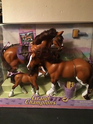 New In Unopened Box Light Bay Clydesdale Family Empire Grand Champion Horses