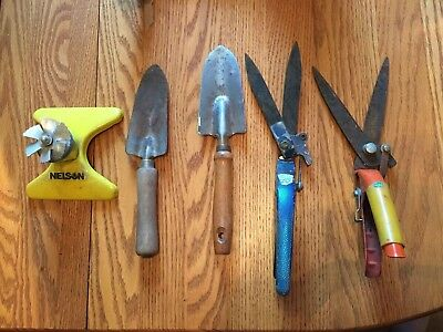 Lot of 5 Garden Tools Claw , 2 Spades, 2 Sheers & Water Sprinkler !