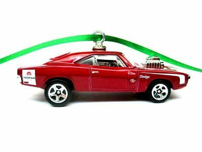 Johnny Lightning 69 1969 Dodge Charger R T Holiday Muscle Christmas