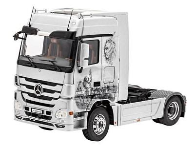Revell of Germany 80-7425 1:24 Mercedes-Benz Actros MP3