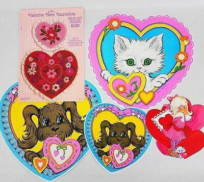 Vtg BEISTLE Hallmark Press Out Hearts Valentines Day Die Cut Wall Decorations