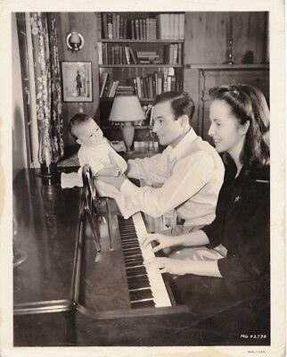 DAVID -CHIM- SEYMOUR. GENE KELLY, MGM actor and wife Betsy Blair. 8x10 inches