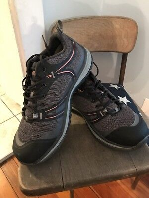 Keen Womens Safety Shoes 9 wide
