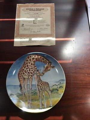 A Kiss For Mother  Signs Of Love Collection Plate Nib