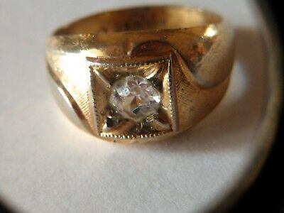 Vintage 18 KT HGE Gold Bling Ring with Diamond like Stone, size 9-10