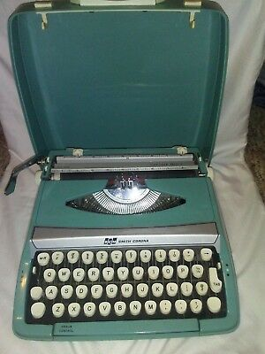 Vintage Smith Corona Corsair Deluxe Scm Portable Typewriter Turquoise Works
