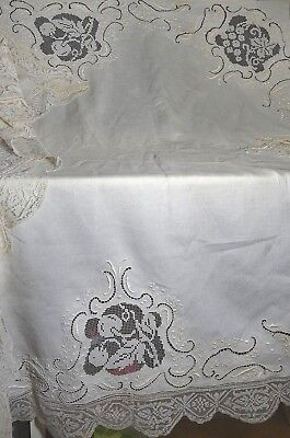HEAVENLY ANTIQUE HEAVILY EMBROIDERED TABLECLOTH w/ NETLACE INSERTIONS UU35