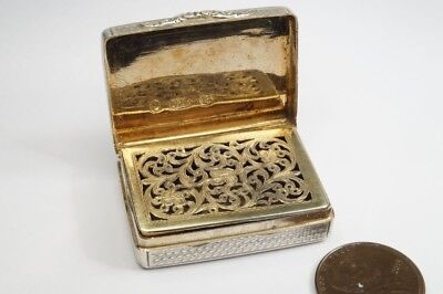 ANTIQUE WILLIAM IV ENGLISH STERLING SILVER VINAIGRETTE by NATHANIEL MILLS c1833